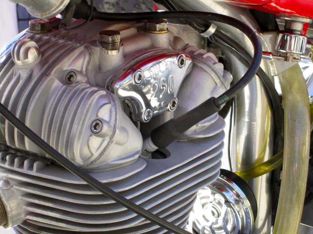 Your First Engine: V-Twin vs  Inline 4 vs  Single – Startriding com